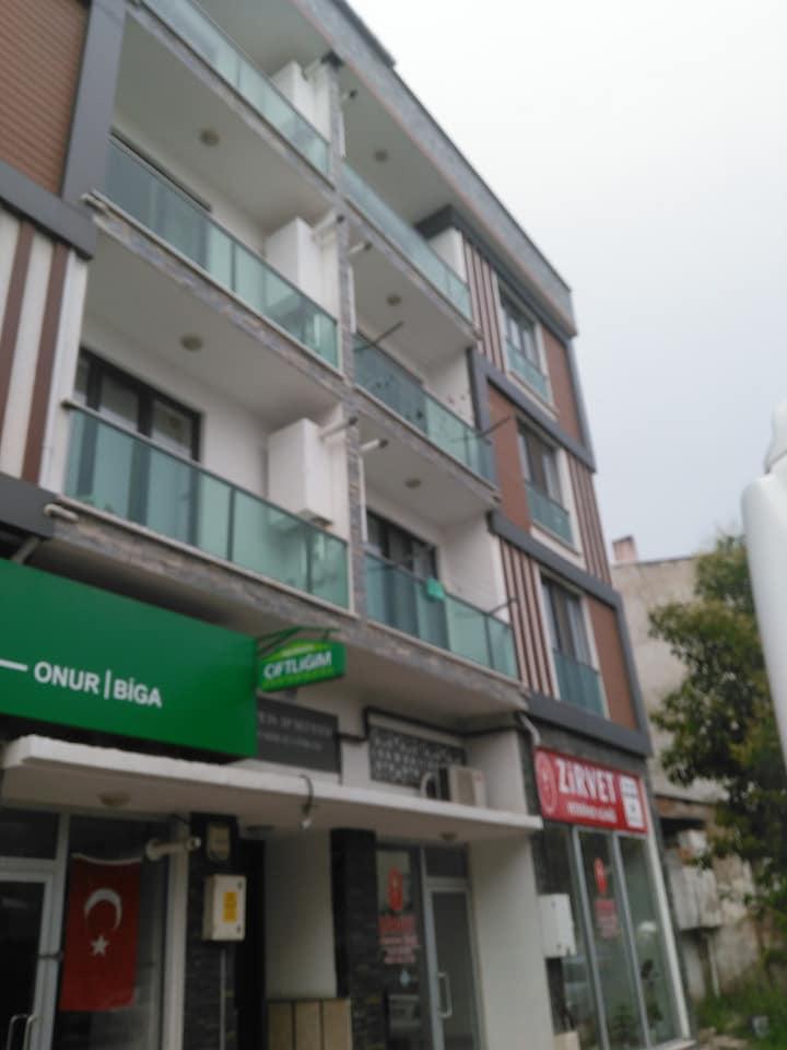Biga Satılık Daire 2+1 80 m2 Yeni, cadde üstü