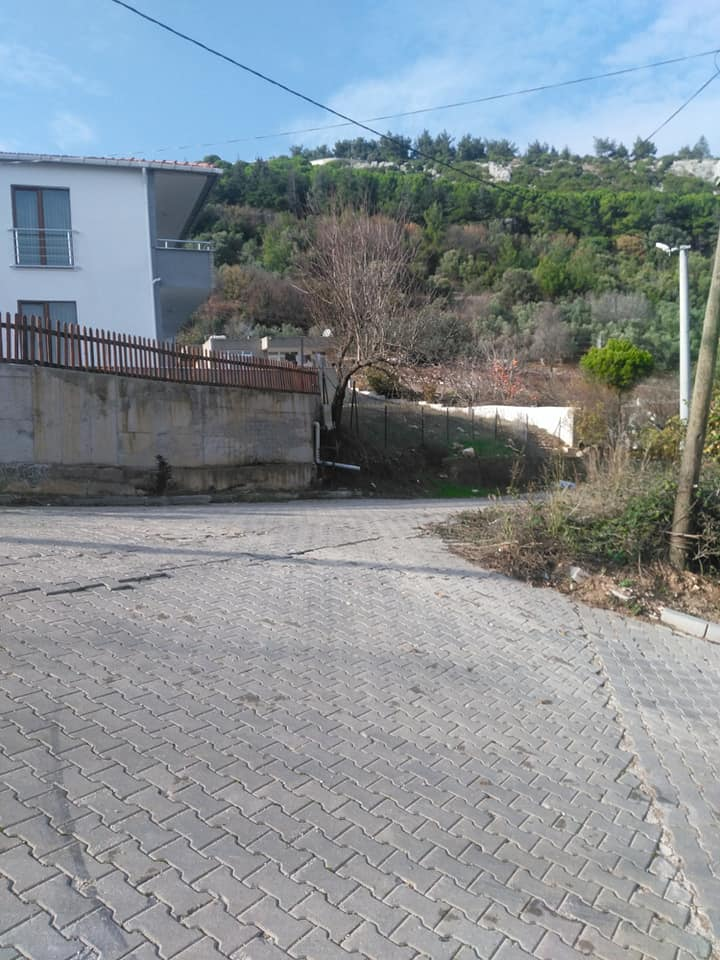Biga satılık müstakil ev 150 m2 & İki arsa 900 m2